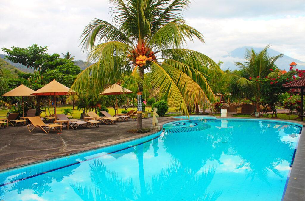 beach pool at Hotel Uyah Amed & Spa Resort