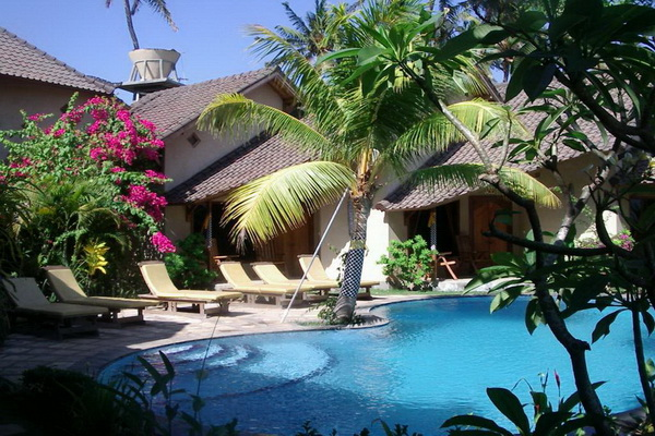 poolside bungalows Hotel Uyah Amed
