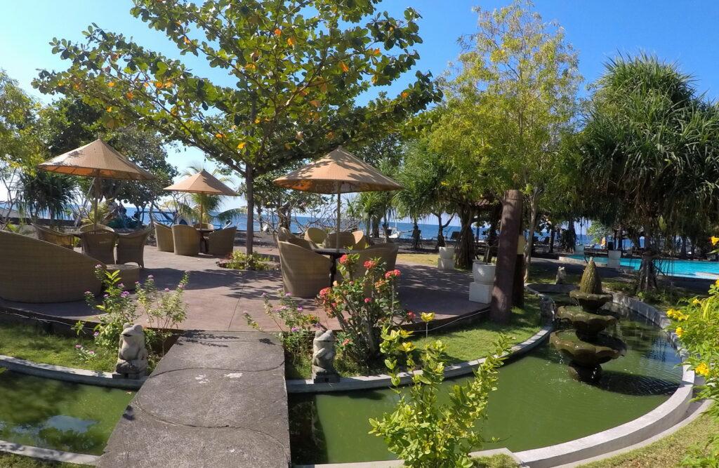 beach lounge at Hotel Uyah Amed & Spa Resort