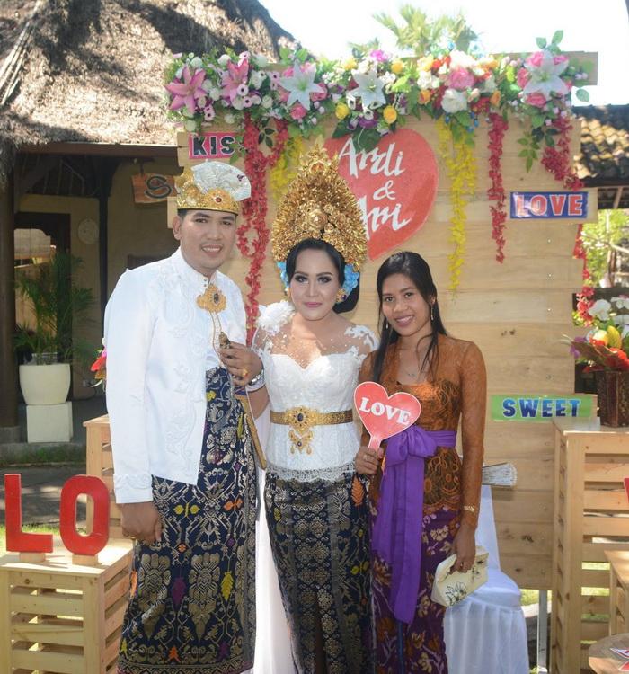 Balinese wedding ceremony in Hoyel Uyah Amed