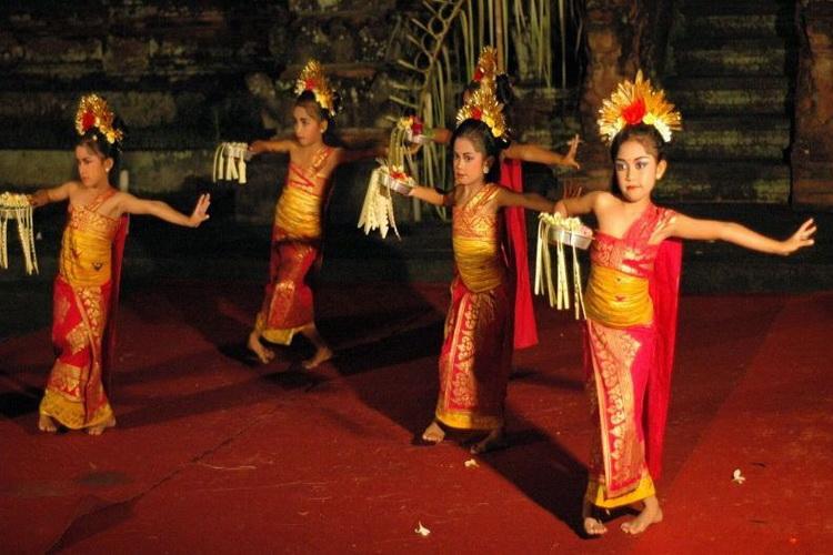 Bali dencers
