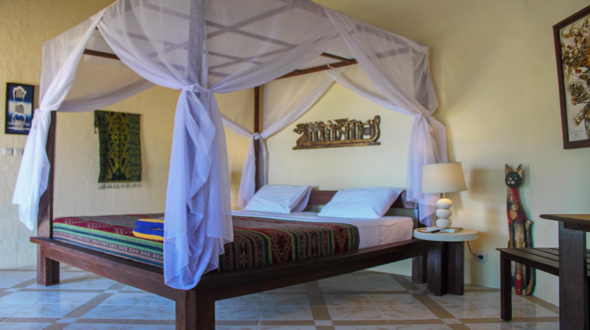 lit à baldaquin dans la bungalow avec vue sur l'océan avec AC (2 personnes)